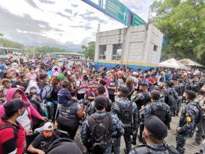 Flüchtlinge werden an den Grenzen brutal gestoppt