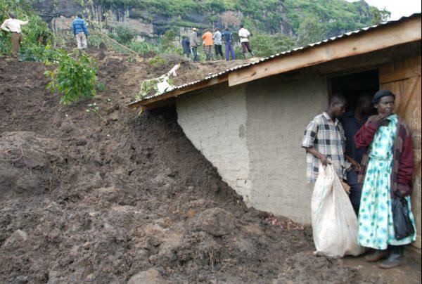 Oktober 2013 - Häuser und Hütten zerstört