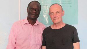 Willington Wamayeye und Alex Kunkel im Büro von Gumutindo 2013