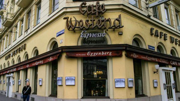 Café WESTEND - sehr gemütlich, einfach, direkt am Westbahnhof.